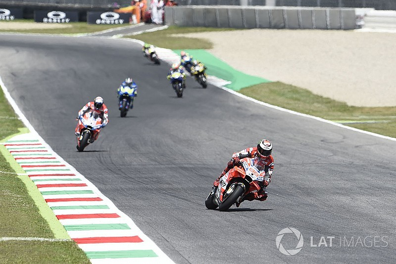 "Lorenzo had to ""completely change"" style for Mugello win"