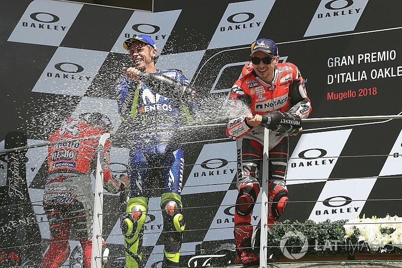 """Rossi: """"Het is dom om Lorenzo af te schrijven voor wereldtitel"""""""