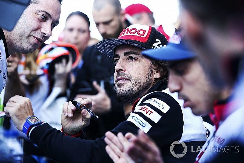 Alonso préfère le paddock F1 fermé aux fans