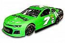 Monster Energy NASCAR Cup Відео: як фарбували машину Даніки Патрік для прощальної Дайтони-500