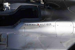 Visszatér a Tommy Hilfiger a Forma-1-be: irány a Mercedes!