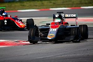 Pulcini edges Ilott on first Barcelona GP3 test day