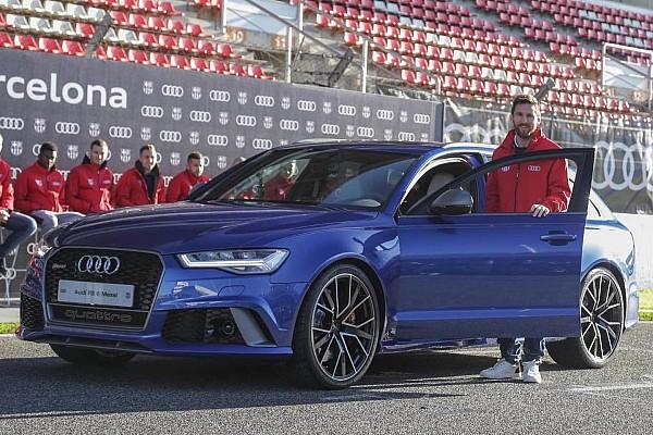 Los jugadores del Barça reciben sus Audi