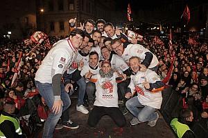 MotoGP I più cliccati Fotogallery: Marc Marquez festeggiato a Cervera per il Mondiale MotoGP