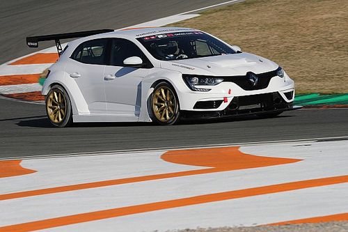UK: a Brands Hatch c'è anche la Renault di Morgan