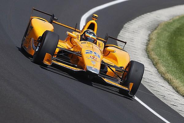 IndyCar Новость Алонсо сошел в Indy 500 из-за отказа мотора