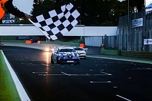Clio Cup Italia Gara Gustavo Sandrucci si impone in Gara 1 a Vallelunga