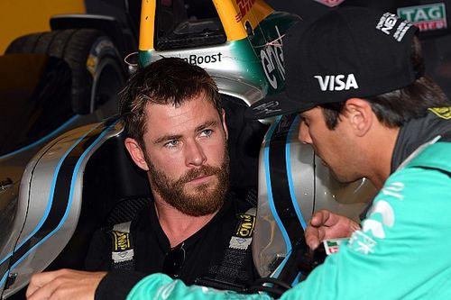 L'attore Chris Hemsworth sventolerà la bandiera verde alla Indy 500
