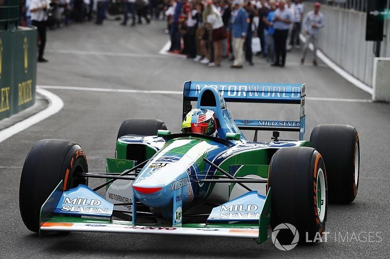 "Schumacher Jr ""amazed"" by father's Benetton"