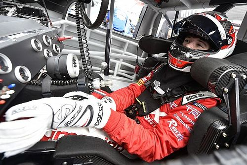 Harrison Burton gets a new crew chief for final Truck start of 2017