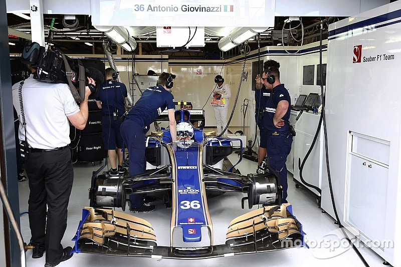 Wehrlein replaced by Giovinazzi for Australian Grand Prix