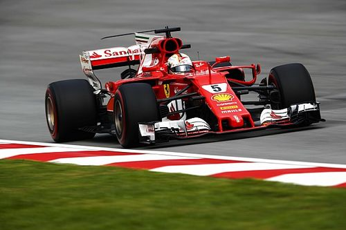 Vettel: Bu kadar hızlıyken geride kalmak üzücü