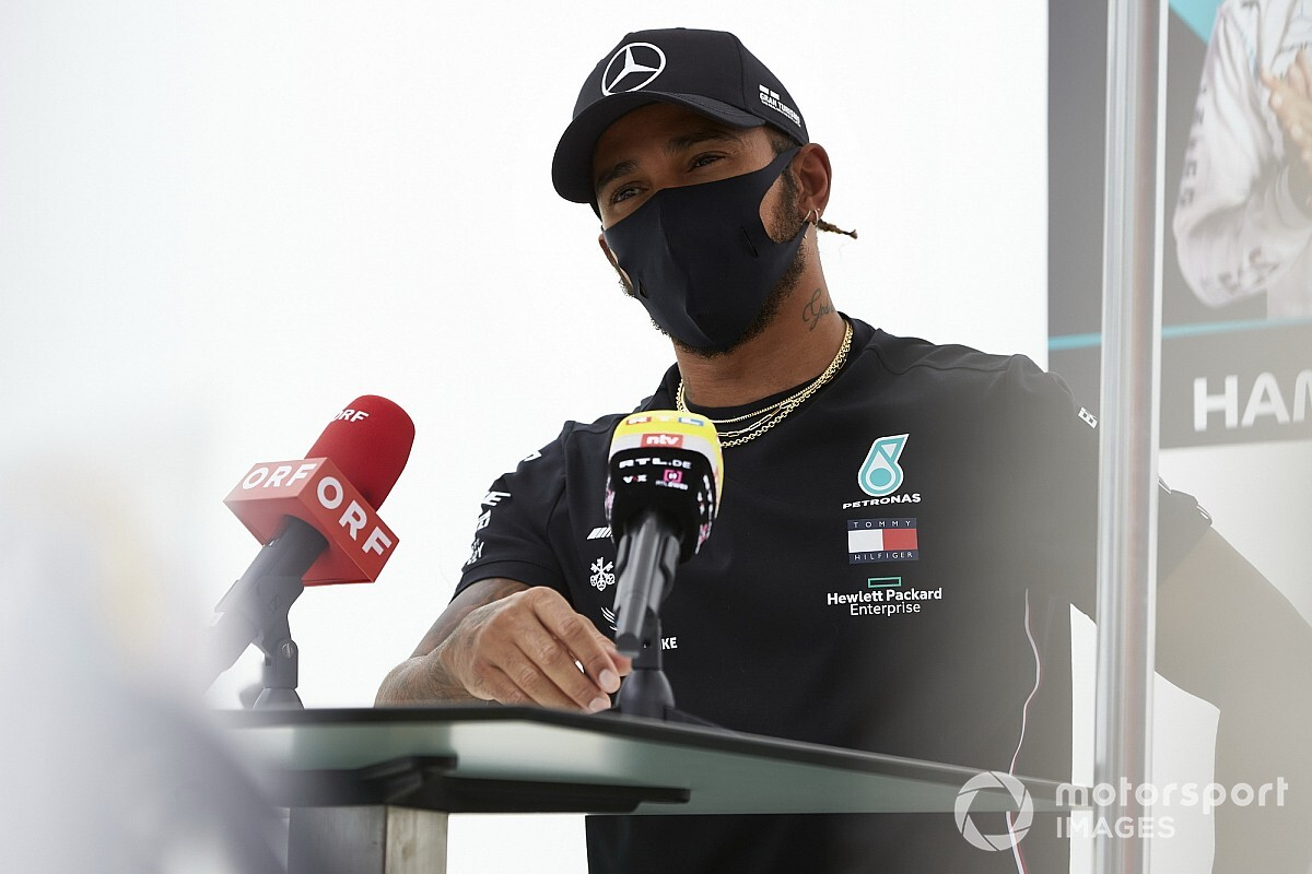 Hamilton két F1-es legendára is kiakadt a rasszizmus ügyében
