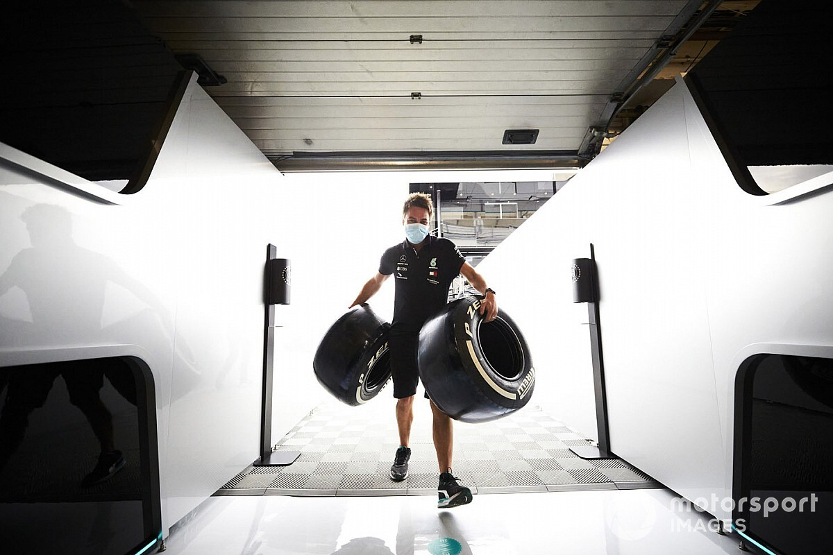 Két F1-es pályán fog prototípus 2021-es gumikat tesztelni a Pirelli