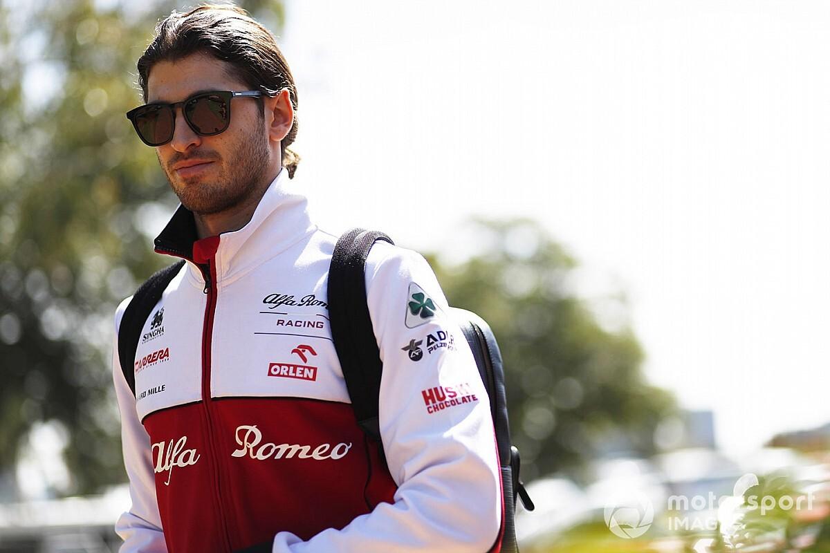 Giovinazzi meggyőzné a Ferrarit, dobogóra állna az Alfával, legyőzné Kimit, és ő is ott lesz a virtuális nagydíjon