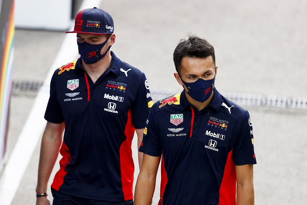 Alex Albon Bantah Anggapan Jadi Rekan Max Verstappen adalah Kutukan