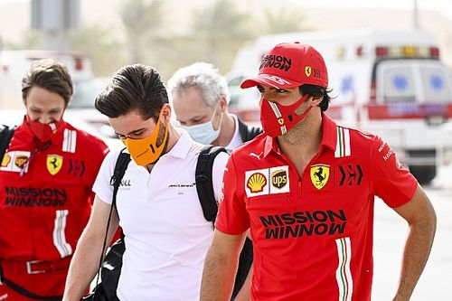 Sainz: Vettel Seharusnya Bangga Atas Pencapaiannya di Ferrari