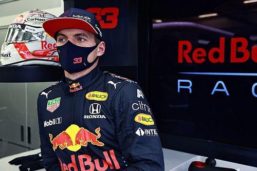 """Verstappen: """"Mercedes bizi bilerek favori göstermeye çalışıyor"""""""