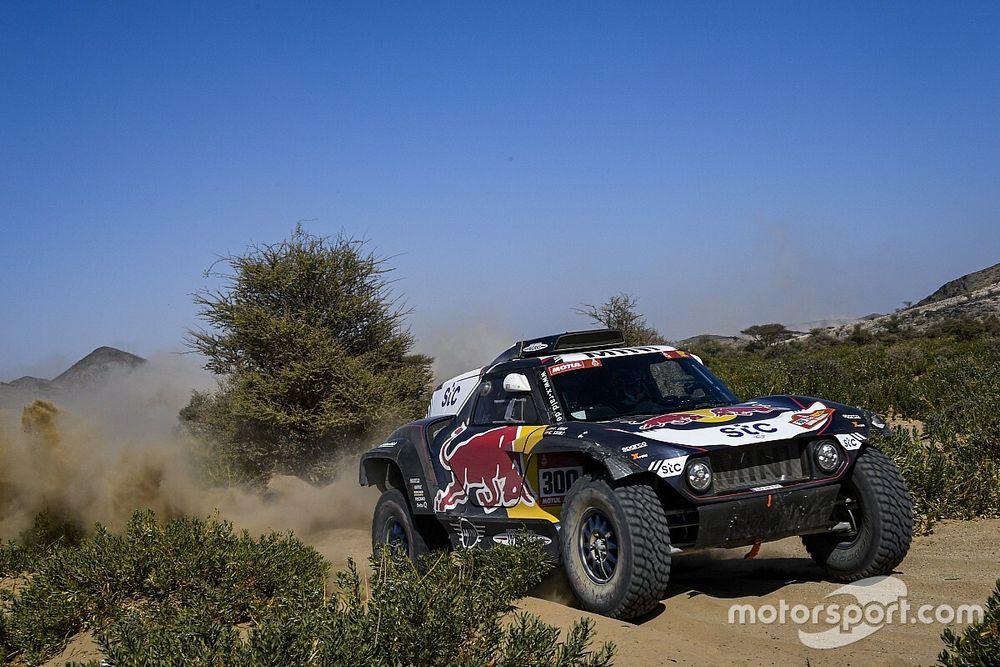 2021 Dakar Rallisi 1. etap: Sainz, takım arkadaşı Peterhansel'in önünde lider
