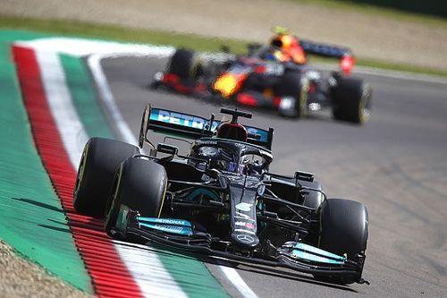 Hamilton: Red Bull has better set of F1 strategy cards to play at Imola