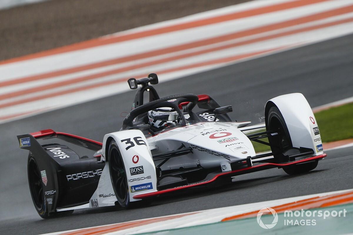 Valencia Formula E testi: Günün en hızlısı Lotterer oldu