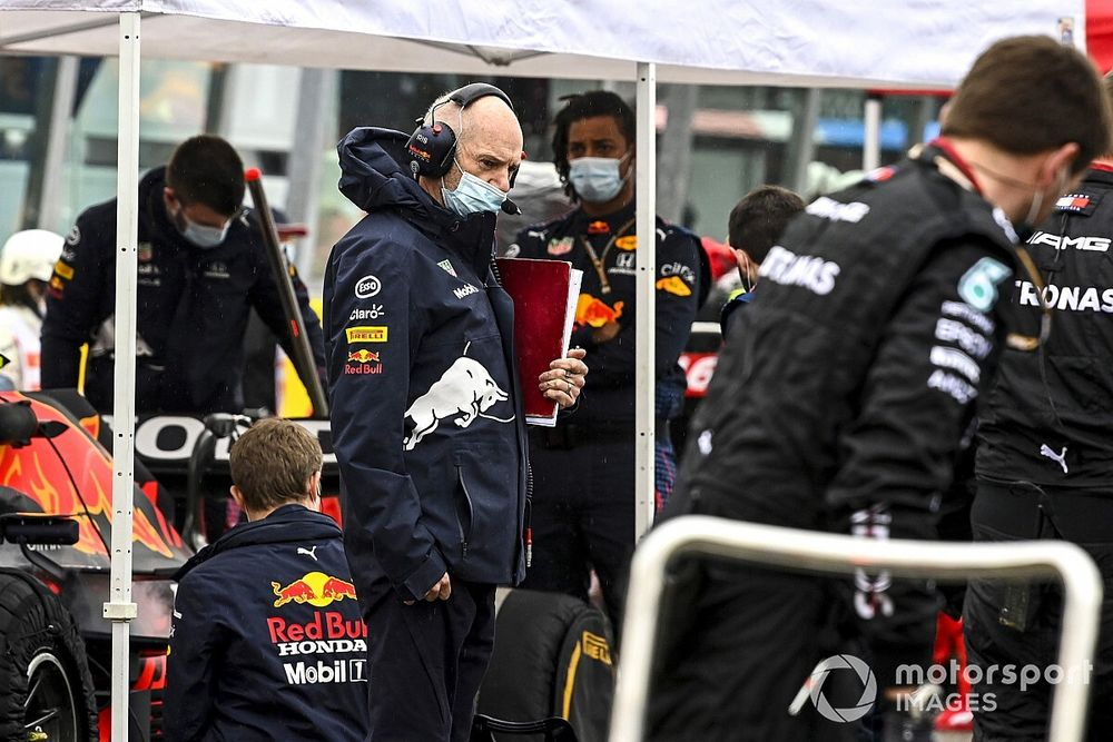 Red Bull Tarik Lima Teknisi Mercedes