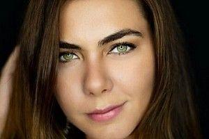 VÍDEO: Saiba como Leticia Datena saiu da sombra do pai e é novo rosto da Stock Car