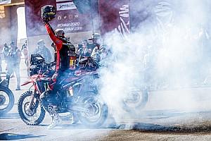 Galería: las celebraciones de Sainz y Brabec y más fotos de la última etapa del Dakar 2020