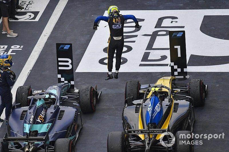 Ghiotto gana la última carrera de la F2 2019