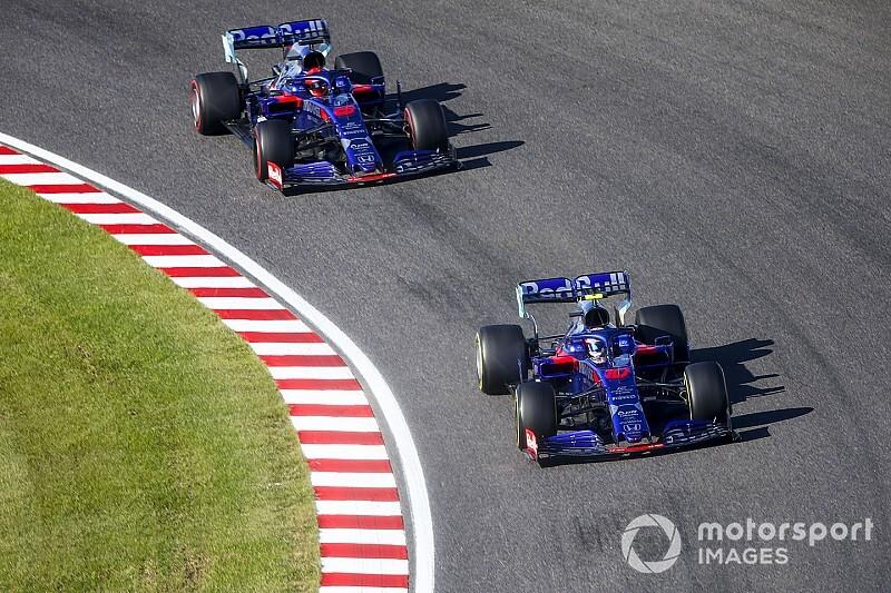 Mennyit tudnak Raikkönenről a Toro Rosso pilótái? (videó)