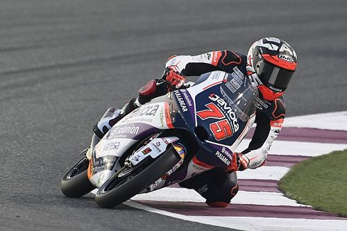 Moto3: Arenas beffa McPhee a Losail, piovono penalità