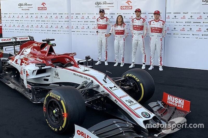 Bemutatták Räikkönenék idei szerelését is - galéria
