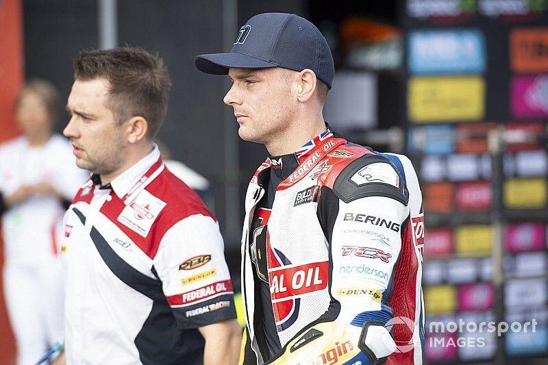 Ex-MotoGP rider Lowes penalised for hitting Raffin