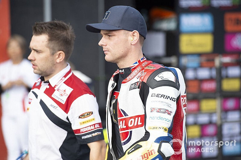 Ex-MotoGP rider Lowes penalised for hitting Raffin