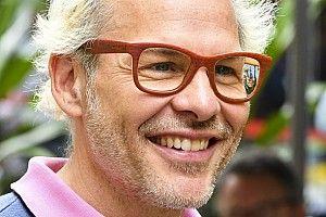 """Villeneuve: """"Per Leclerc il vero pericolo è Sainz"""""""