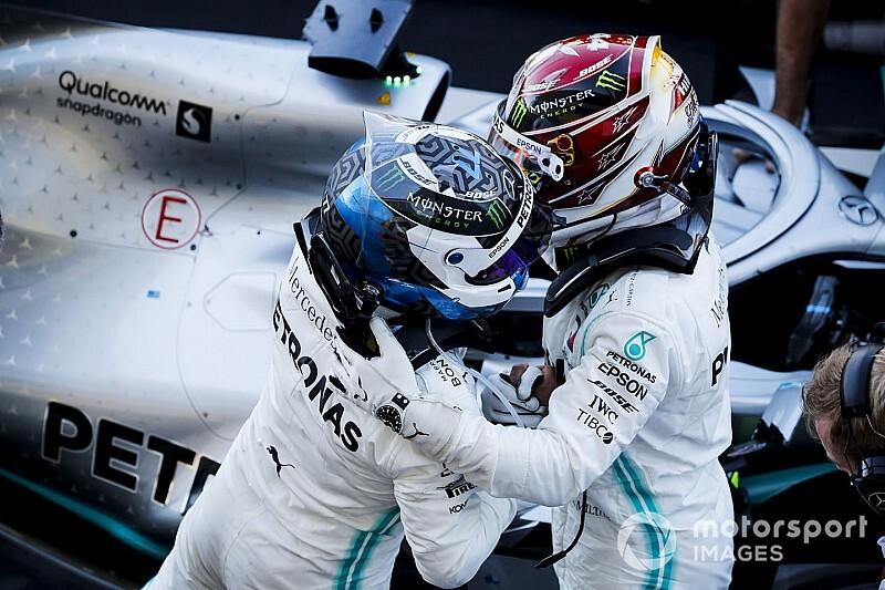 """Mercedes viert zesde wereldtitel op rij: """"Het team verdient dit"""""""