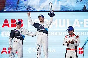 Diriyah E-Prix: Sims leads BMW 1-2 in messy second race