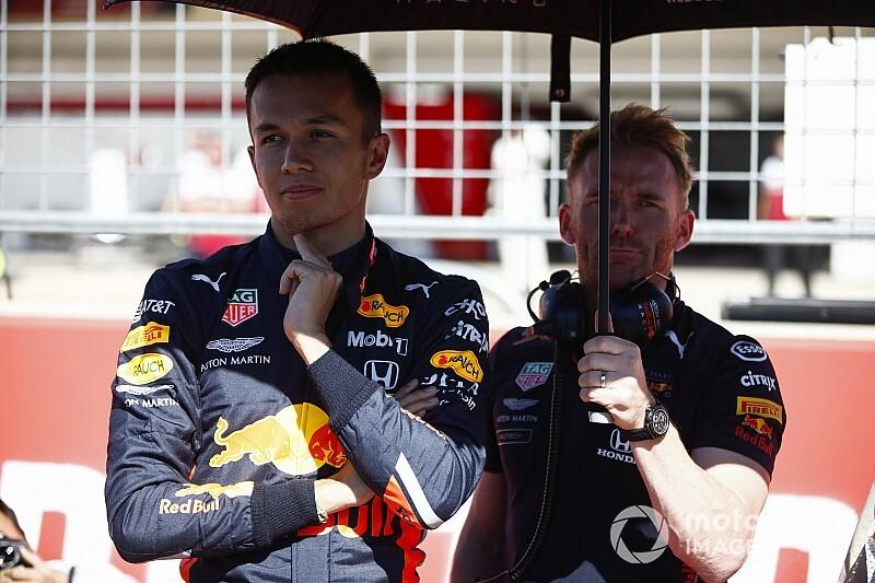 Элбон: В Red Bull пришлось начинать все заново