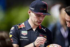 """Verstappen: """"Questa Ferrari così veloce è imprendibile"""""""