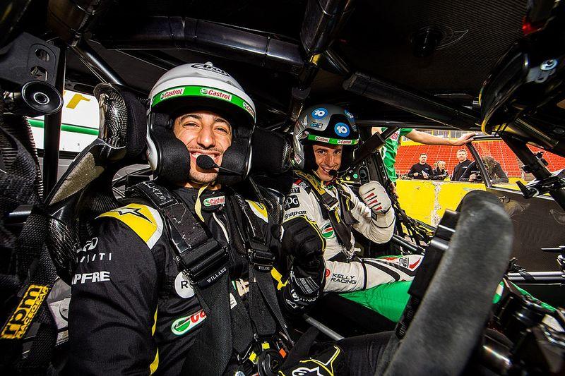 """Daniel Ricciardo ressent le """"besoin"""" de rouler à Bathurst"""