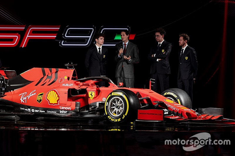 """Vettel ziet niets in vluchten voor Leclerc: """"Voorzie geen vertrek bij Ferrari"""""""