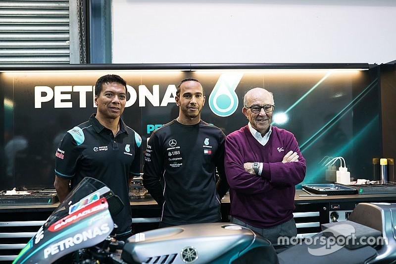 """Hamilton: """"Guidare una moto sulla stessa pista con Valentino sarebbe pazzesco!"""""""
