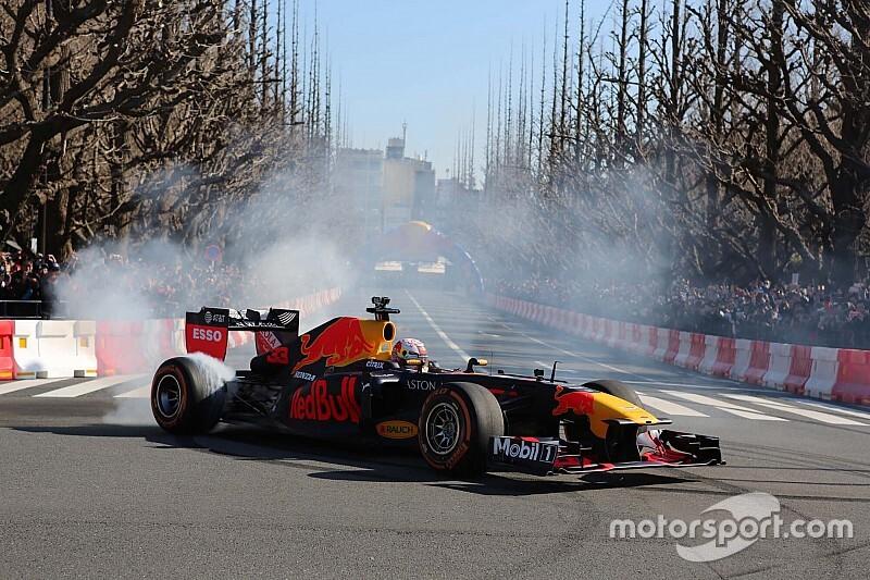 VIDEO: Red Bull Racing maakt promo-opnamen in Nederland