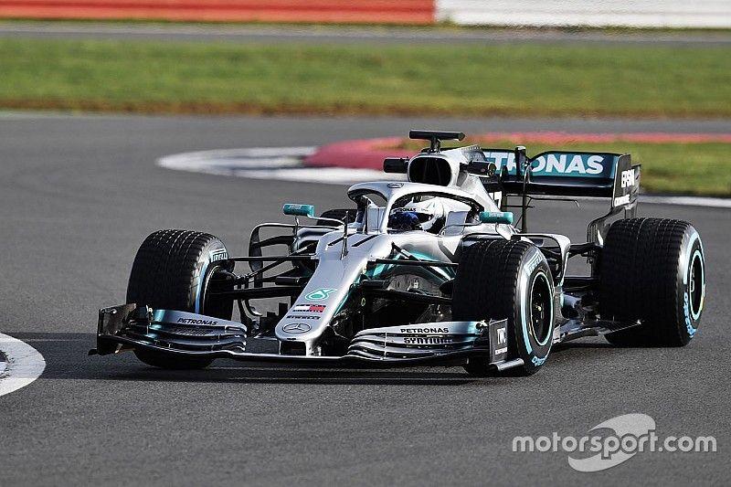 Así luce en pista el nuevo Mercedes W10