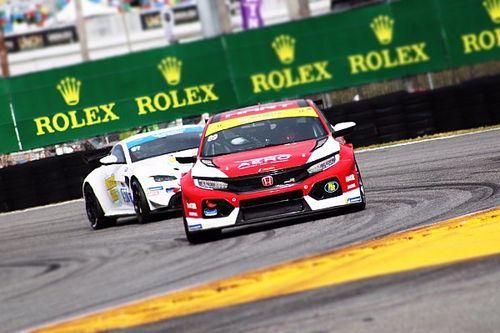 Clamoroso errore: la Honda TCR di Eversley rallentata dalla benzina per i Prototipi a Daytona!