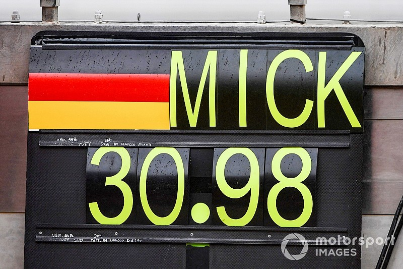 GALERÍA: el primer día de Mick Schumacher en el Ferrari F1
