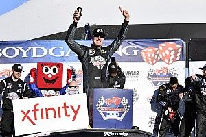 Kyle Busch holds on in double OT for Xfinity win at Las Vegas