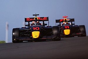 F3 Zandvoort: Crawford tops twice-red-flagged practice session