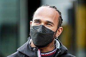 """F1 - Hamilton diz que seria """"muito bom"""" ter Russell na Mercedes em 2022: """"Ele é o futuro"""""""