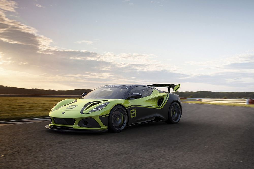 Lotus returns to GT arena with new Emira GT4